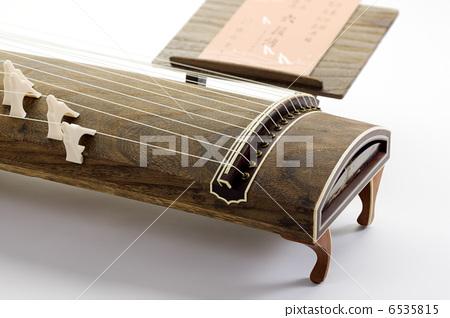 A harp 6535815