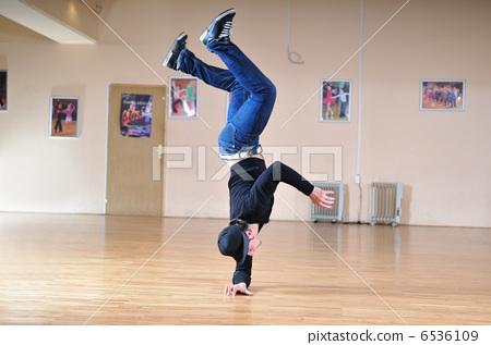 break dance 6536109