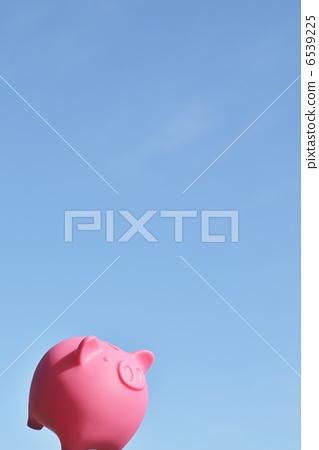 돼지 저금통 푸른 하늘 6539225