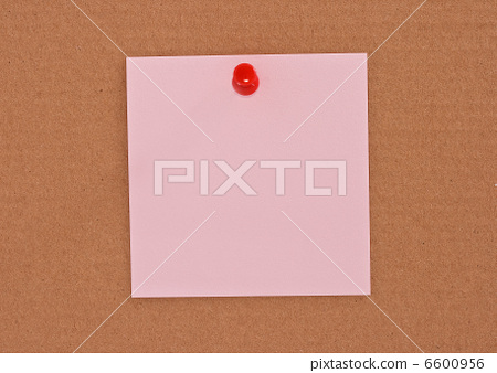 Pink note paper attached with red pin 6600956