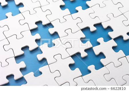 Missing puzzle pieces 6622810