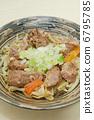 烤的可口豬肉沙拉 6795785