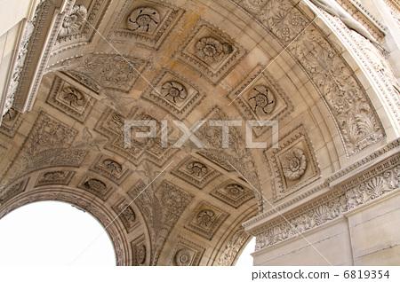Carrousel's Arc de Triomphe 6819354