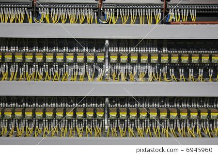 Large terminal relay 6945960