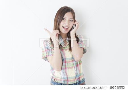 휴대 전화 통화 여성 6996552