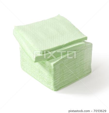 stack of paper napkins 7053629