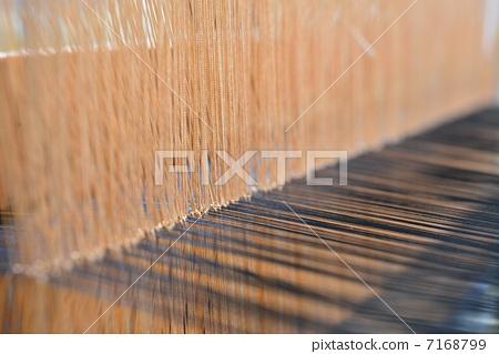 Weaving 7168799