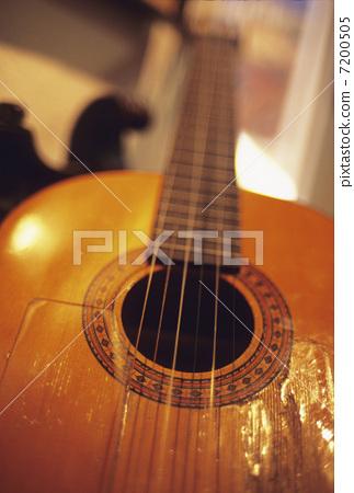 Flamenco guitar 7200505