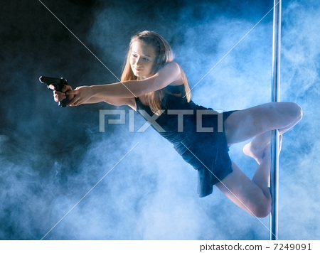 Pole Dance Woman 7249091