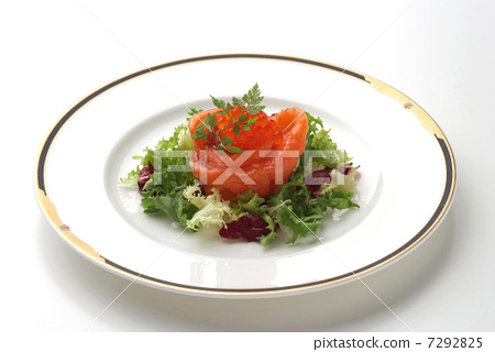 French cuisine Western dish appetizer hors d'oeuvres salmon how much fish dishes fish shellfish salad 7292825