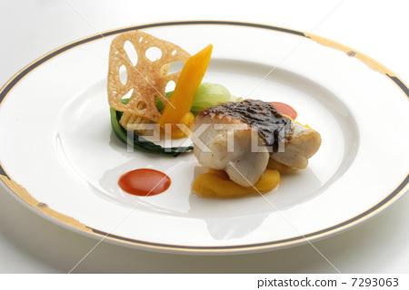 프랑스 요리 생선 요리 도미 도미 요리 앙트레 7293063