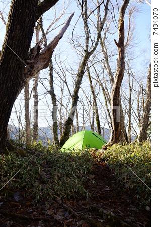 Climbing tent night 7434070