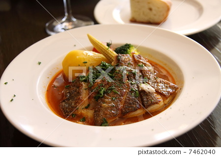 Poire of white fish 7462040
