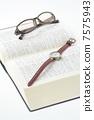 手錶和眼鏡 7575943