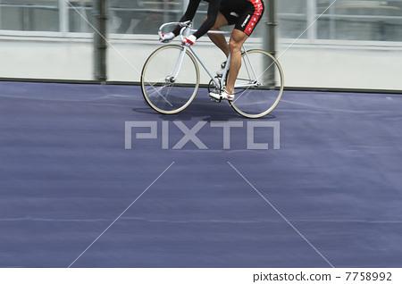 자전거 타는 사람 7758992
