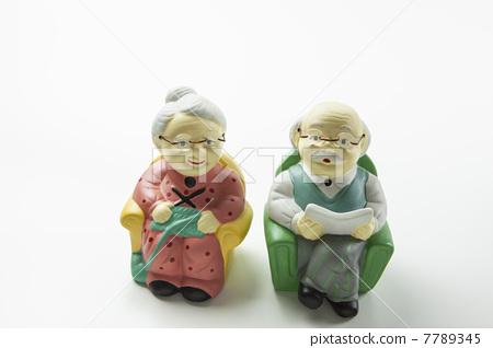 老年夫妇 惊奇 惊讶 7789345