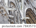 巴黎圣母院 7843570