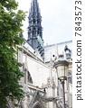 巴黎圣母院 7843573