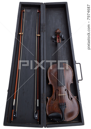 Old violin 7974687