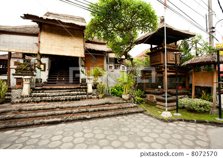 BALI- DECEMBER 28: house in traditional Balinese style. Legians 8072570