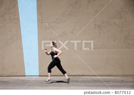 Single woman runs to get in shape