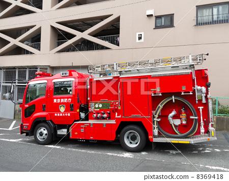 Stock Photo: firetruck, fire-engine, firefighting