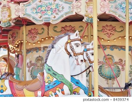 Merry-go-round 8439374