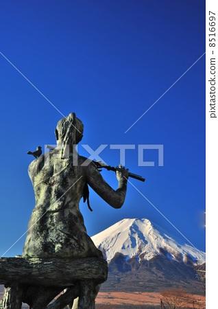 Girl statue and Mt. Fuji 8516697
