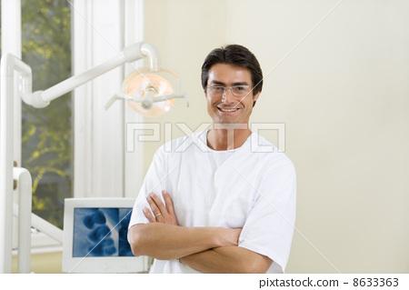 dentist 8633363