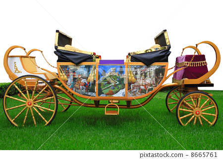 Royal carriage 8665761