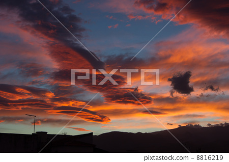 Sunrise over the Sierra Nevada 8816219