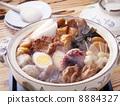 鍋裡煮好的食物 用鍋烹飪 關東煮 8884327