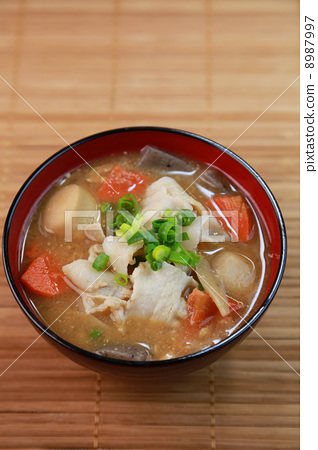 Miso soup with pork and vegetables 8987997