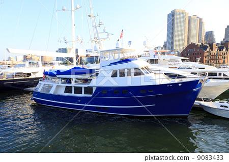 Boston harbor cruisers 9083433