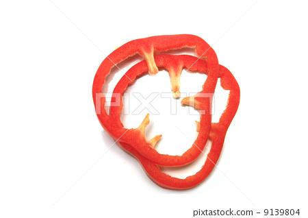 paprika slice isolated 9139804