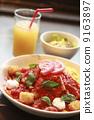 Omuraise lunch of tomato, mozzarella and basil 9163897