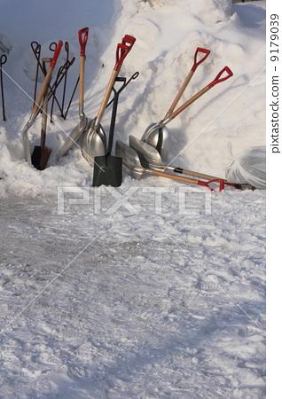 Snow removal 9179039