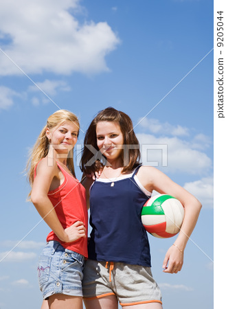 volleyball female players with ball 9205044