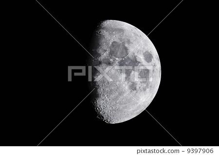 半個月亮 9397906