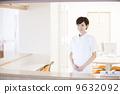 접수 응대하는 여성 간호사 9632092