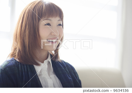 A woman with a smile 9634536