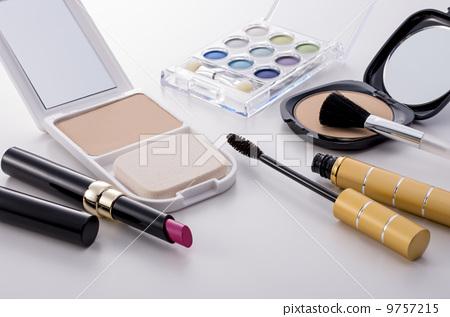 Cosmetics 9757215