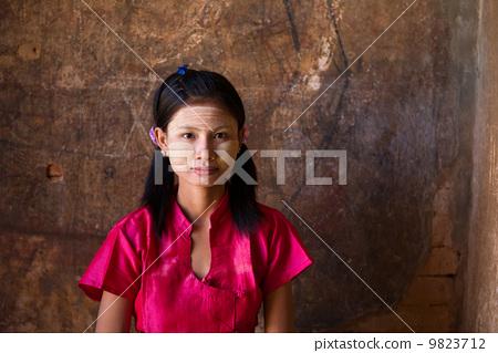 casual myanmar girl 9823712