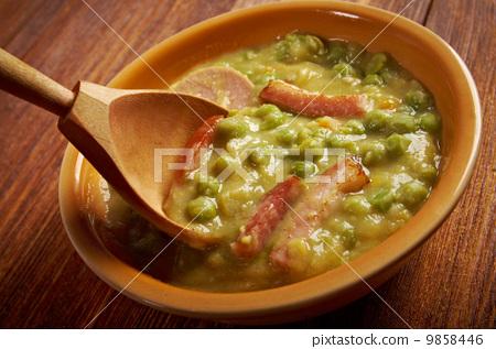 Erwtensoep pea soup - 9858446