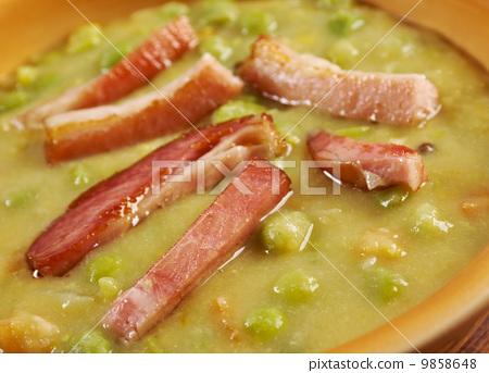 Erwtensoep pea soup - 9858648