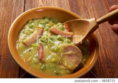 Erwtensoep pea soup - 9858725
