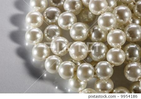 White pearl 9954186