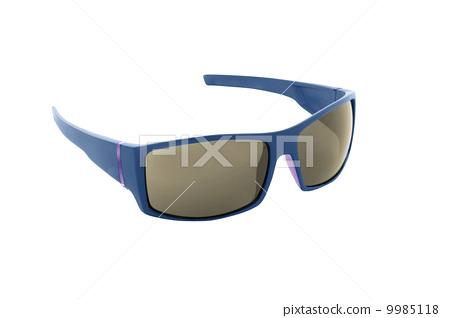 Sunglasses isolated 9985118