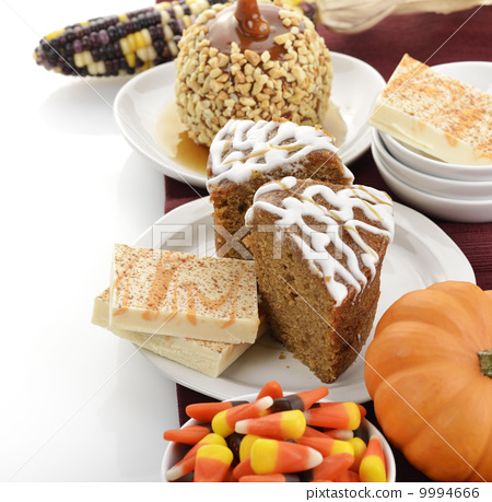 Halloween Treats 9994666
