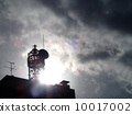 多雲的天空和背光天線 10017002